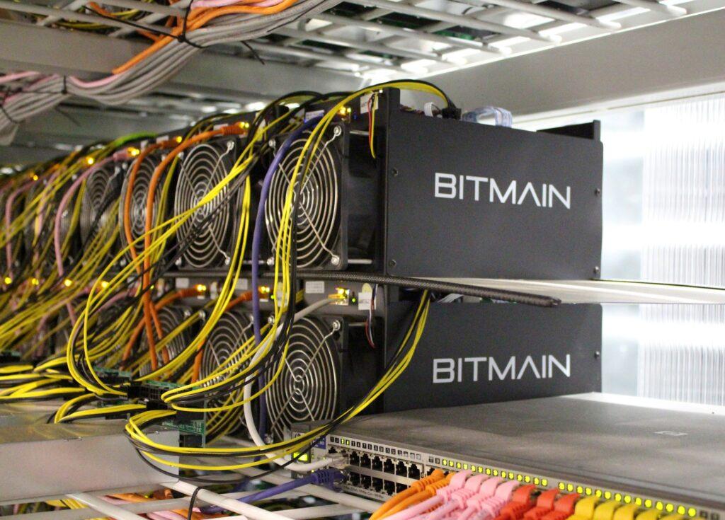Bị cấm ở Trung Quốc, 56.000 máy đào coin Bitmain nhập cảnh qua Mỹ với doanh thu dự kiến 10 triệu đô mỗi tháng